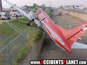 funny_plane_accident