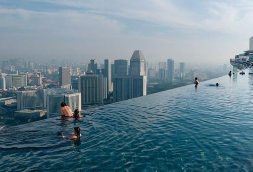 Marina Infinity Pool